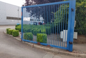 Metal Gate Painting Milton Keynes